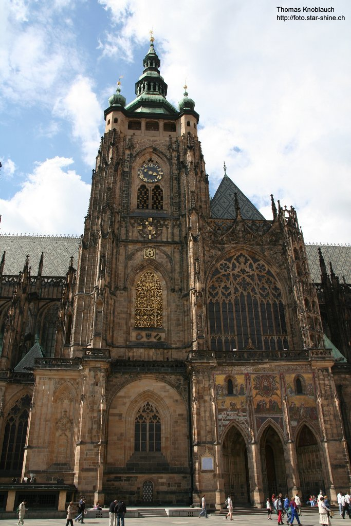 Veitsdom from the side, Prague, Czechia