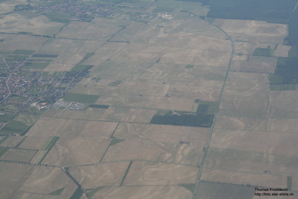 structures in corn fields on the fly back