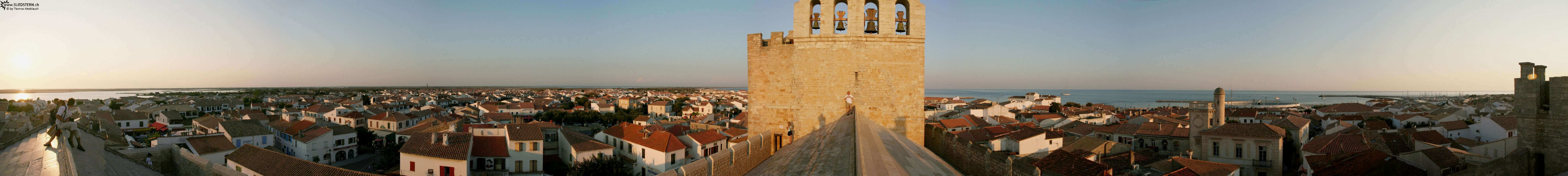 2008-08-28 - Panorama on the rooftop of church in st. maries de la mer, france